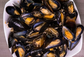 Steak Spice PEI Mussels