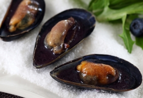 Blueberry Mussels on the Half Shell